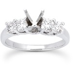 Sidostensring i platina med 4st diamanter (0.7ct)